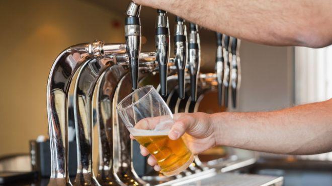 Beber moderadamente é seguro? Quatro mitos sobre o consumo de álcool