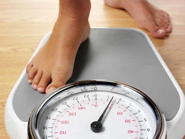 O segredo para emagrecer sem dieta? Pesar-se diariamente