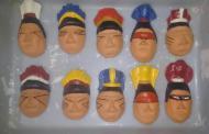 """Artesã vai """"brincar"""" com a criançada produzindo máscaras indígenas"""