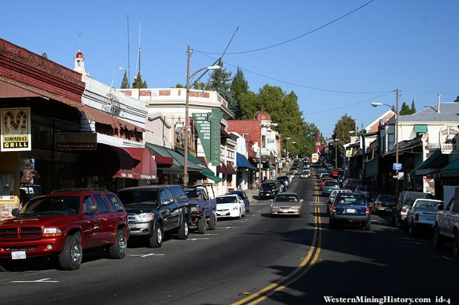 "Downtown Sonora has that ""Old West"" feel. With SUVs."