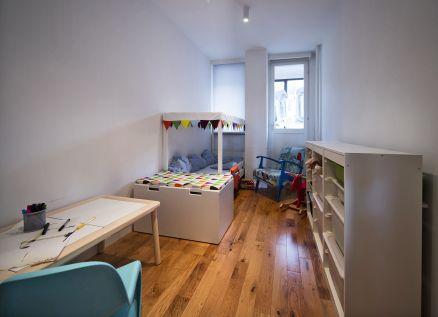 Djeca navodno jako vole male prostore. Sva sreća :) / foto: Borko Vukosav
