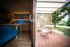 BIG-BERRY-interior-outside
