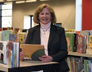 Library Director Melissa Carr