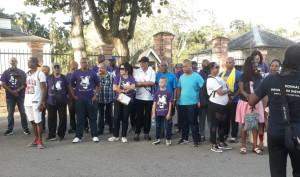 1Het publiek langs de weg verrast door deelname staatshoofd aan AVD1