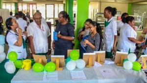 Studenten Covab organiseren mini-informatiebeurs (3)