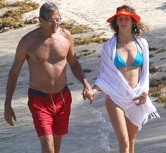 Are Emilie Livingston And Jeff Goldblum Dating?
