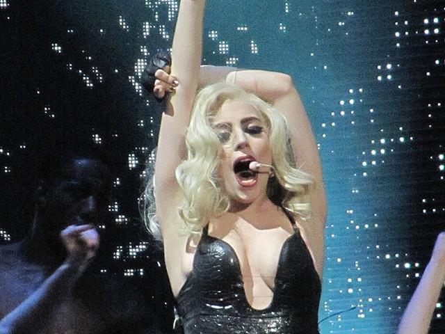 "PETA Slams Lady Gaga For Wearing Fur, Singer Explains Her Self To Her ""Little Monsters"""