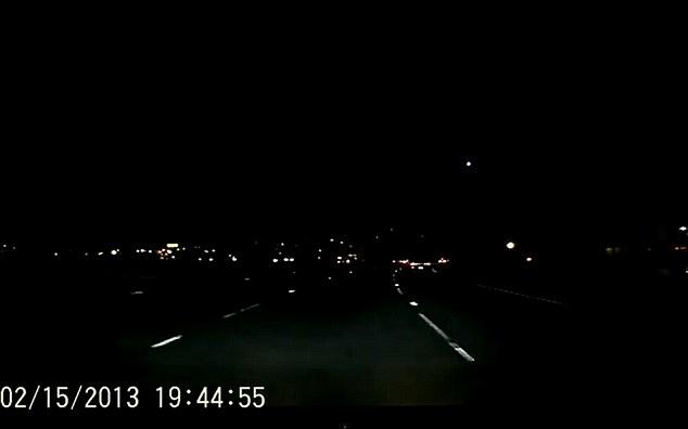 California Fireball Streaks Across Sky Just One Day After Russian Meteor  (VIDEO)