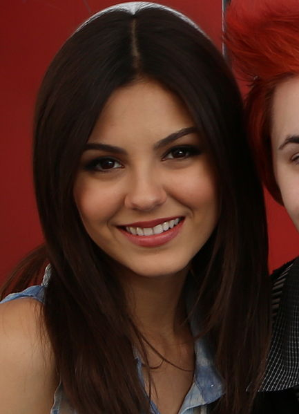 victoria justice livid over leaked photos
