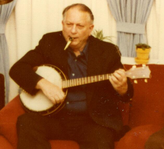 Jack Vance playing the jazz banjo and kazoo in 1979 in San Francisco