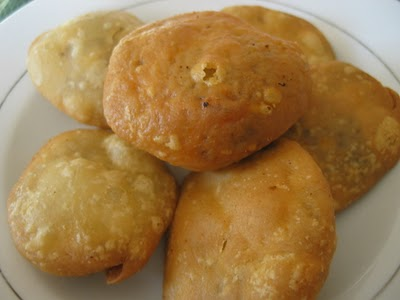 Onion kachori-craving causes pilot to change route to pick up order
