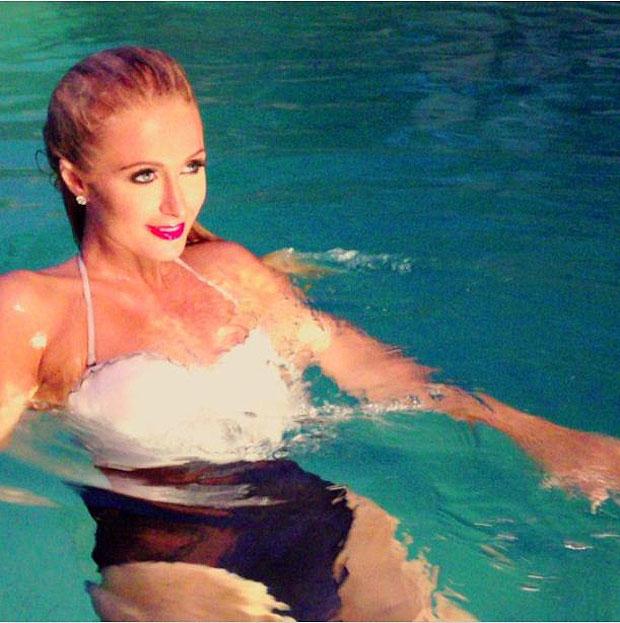 Paris Hilton sexy mermaid Instagram Video Makes A Splace