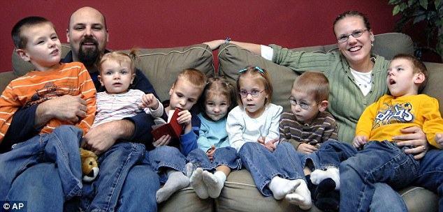 Devastating loss: Ben Van Houten died on Wednesday at the age of 39. He is pictured with his family in 2008. From left, John, Ben, 15-month-old Drew, Nolan, Sammy, Kennedy, Peyton, wife Amy and Gerrit sit together in their home in Hamilton