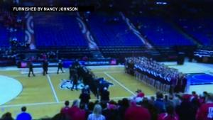 Minnesota dance team steals routine