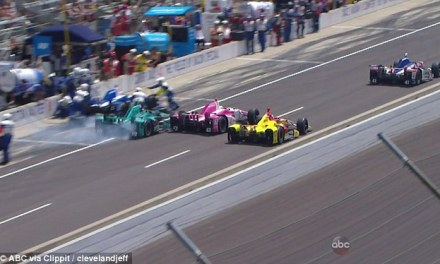 Indy 500 crew hit during pit stop, two injured (VIDEO)
