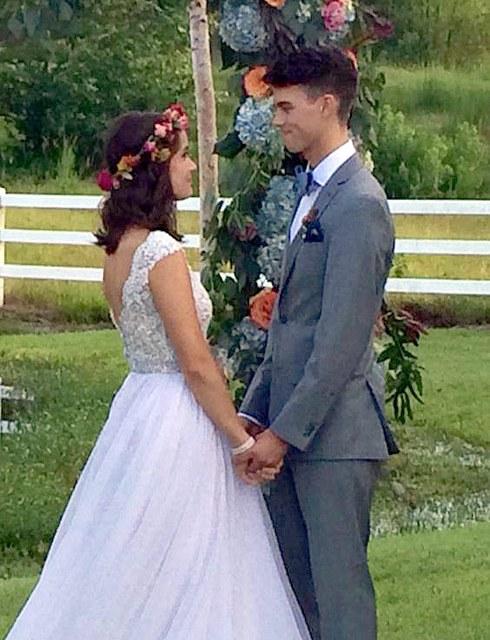 Duck Dynasty Star John Luke Wedding Pics Revealed