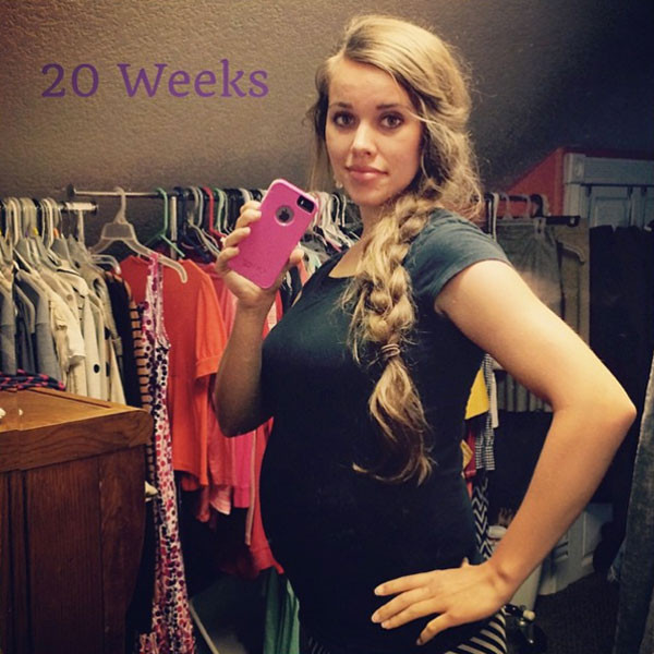The 22-year-old 19 Kids and Counting star shared on her Instagram page on Sunday a pic of herself 20 weeks along, wearing a black T-shirt, with her long golden honey brown hair in a side braid.
