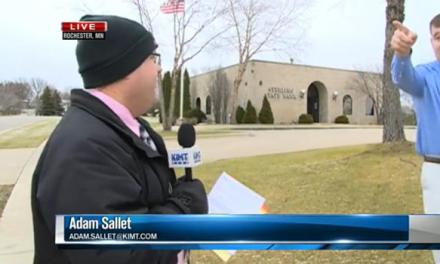 Minnesota bank robbery caught on live TV