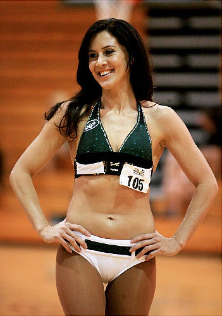 jets cheerleader wage lawsuit