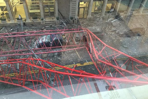 Manhattan crane collapse Leaves Two Critically Injured (VIDEO)