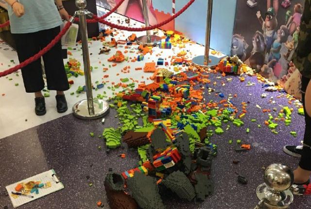 Lego sculpture destroyed: Kid Destroys $15,000 Zootopia LEGO Sculpture
