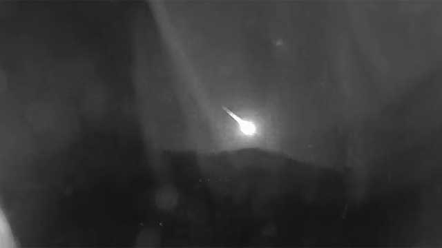 meteor in arizona caught on camera