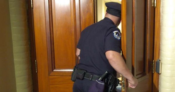 State-Supreme-Court-Rules-Cops-No-Longer-Need-a-Warrant-to-Enter-Homes-and-Seize-Evidence