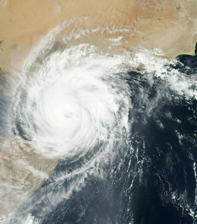 furacão na costa americana