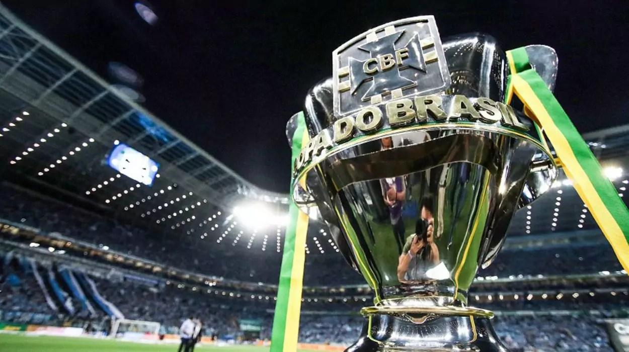 Troféu da Copa do Brasil: torneio tem a maior premiação do futebol brasileiro