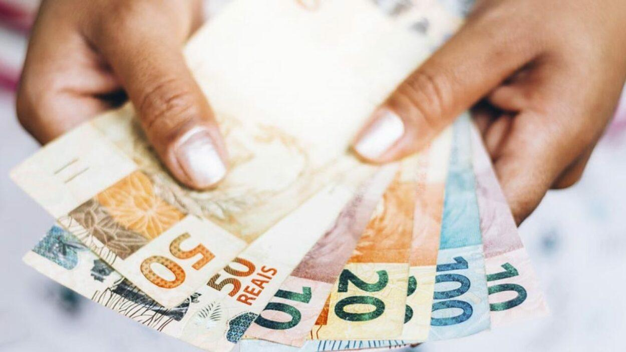 dinheiro brasileiro