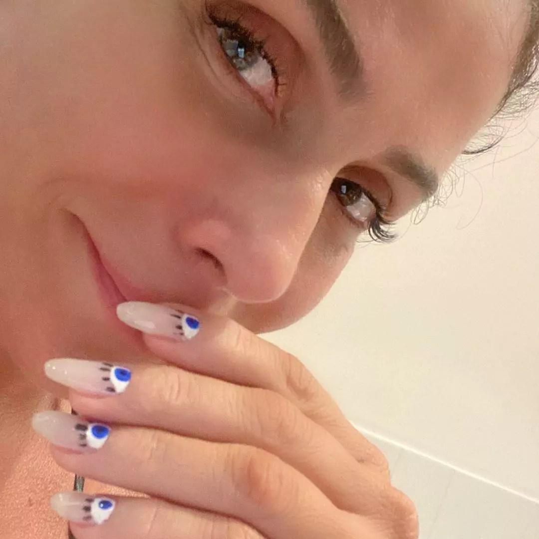 Nail art de olho grego da Giovanna Antonelli (Foto: @giovannaantonelli/Instagram/Reprodução)