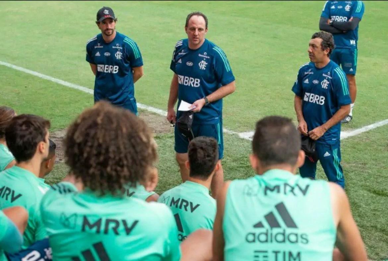 Rogério Ceni ainda não venceu pelo novo clube, e terá dificuldades na escalação do Flamengo para hoje