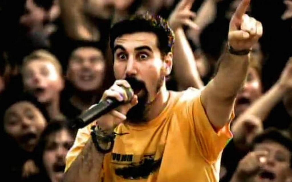Clipe Chop Suey! do System Of A Down