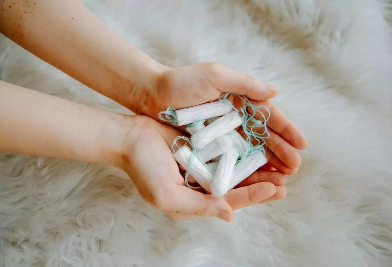 impostos sobre produtos de higiene feminina