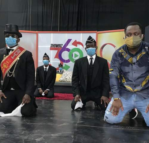 Giovanni and Pallbearers 500x481 - 'Ask if the Pallbearers were Dancing with you or For you' - Sarkodie trolls