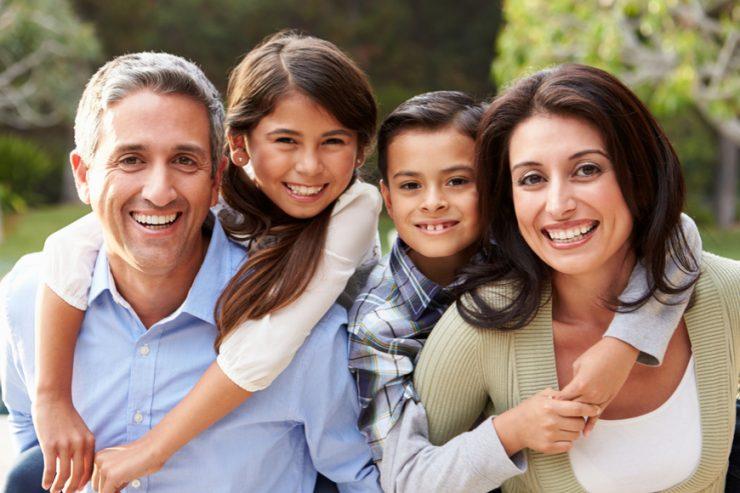 Regularización por vínculo familiar en México