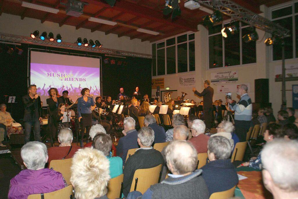 Hero-image Music Makes Friends 2012 Eendracht zaal