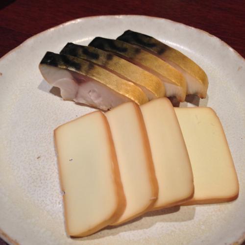 th_サバとチーズの燻製