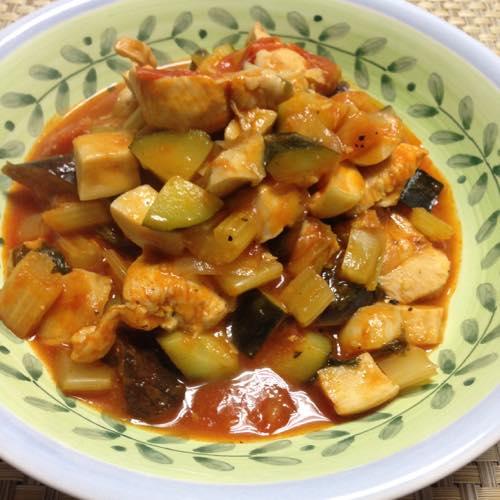 th_野菜と鶏のトマトスープ