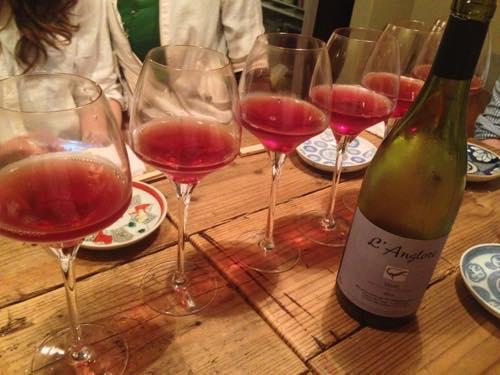 th_並んだ赤ワイン
