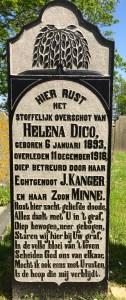 begraafplaatsen op Ameland, grafzerk op kerkhof van Hollum
