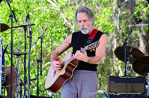 Bob Weir, Rob Wasserman, And Jay Lane Are Scaring The Children – setlist, picture slide show, video clips from 4/16/2010 Wanee Festival, Live Oak, Florida