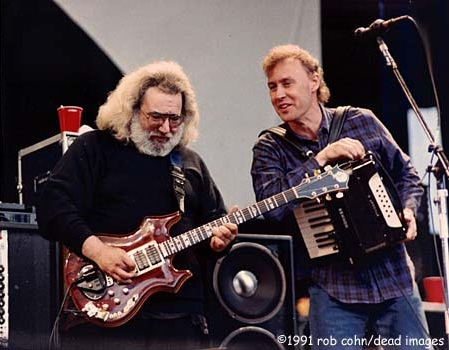 "Jerry Garcia & Bruce Hornsby, May 11, 1991, Mountain View, CA, ""Mississippi Half Step Uptown Toodleloo"" © Robbi Cohn Dead Images"