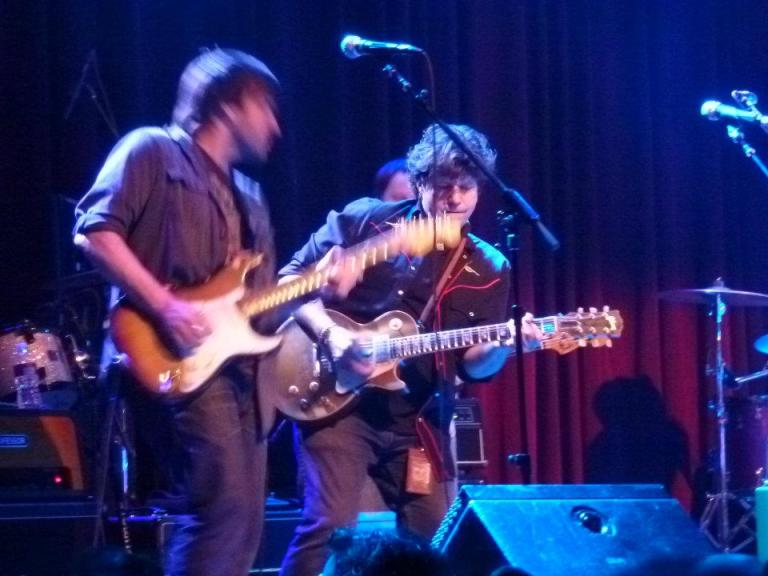 Nathan Dale and Mark Karan with Jackie Greene on his 31st birthday | photo (♥) John Collins and Cathy Bille