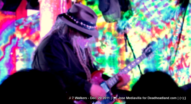 Papa Mali - ♫ 7 Walkers - Dec. 29 2011 | (♥) Jose Mediavilla for Deadheadland.com | (~);}