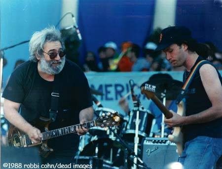 Garcia and Kimock 7.16.88 - DeadImages©RobbiCohn