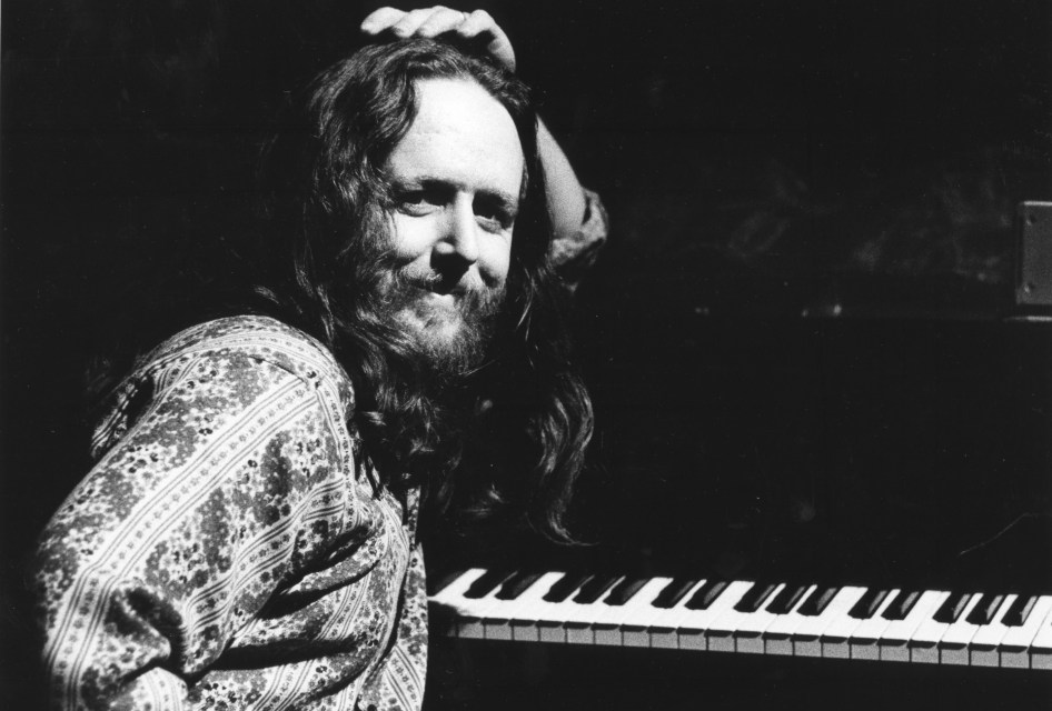 Celebrating Keith's Godchaux's Birthday today!  Grateful Dead – Let Me Sing Your Blues Away 9/11/73