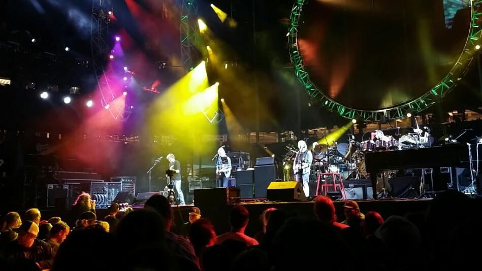 """VIDEO Grateful Dead – """"Sugar Magnolia"""" – 6/28/15 Levi's Stadium"""