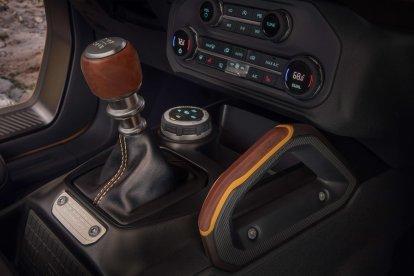 Ford Bronco 2022 interior