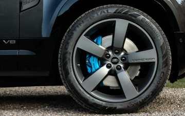 Land Rover Defender V8 2022 exterior